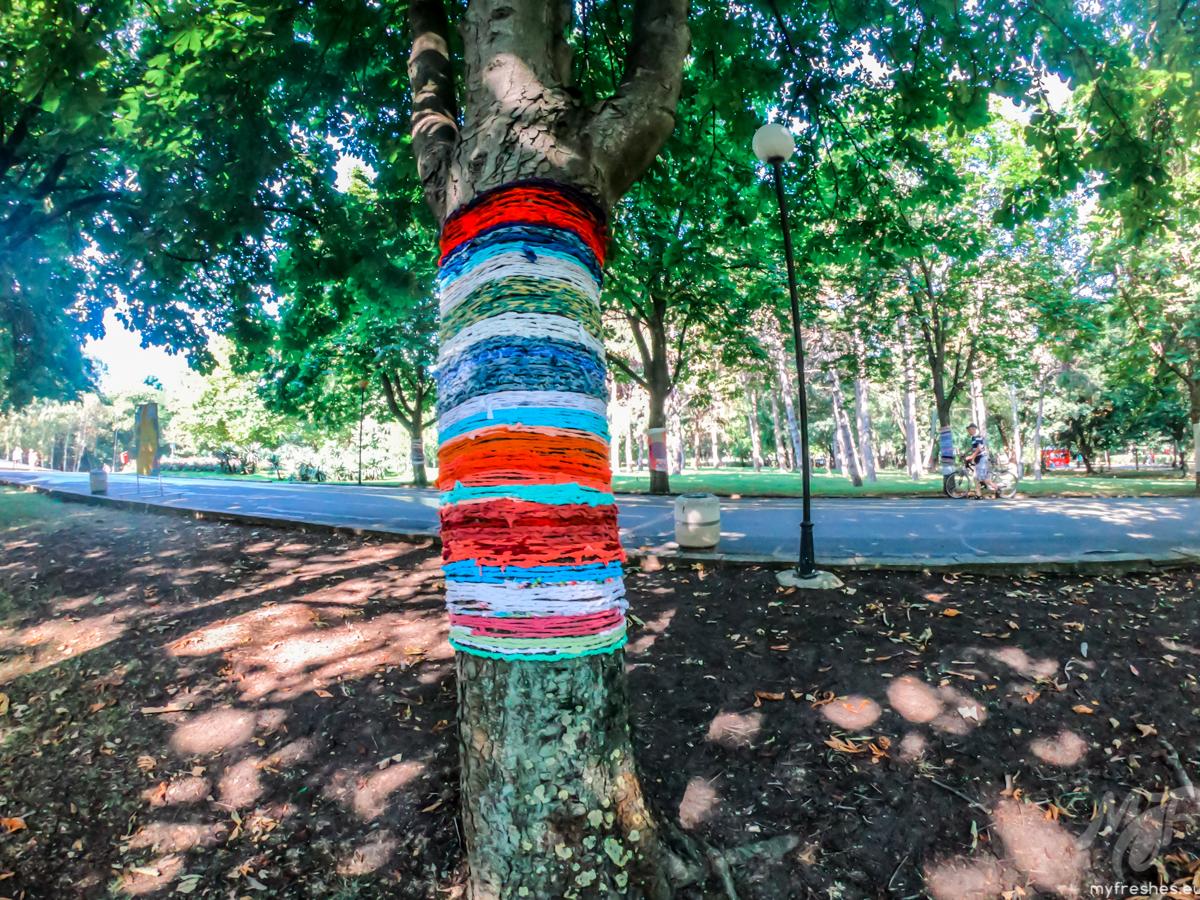 Aрт инсталация Прегърната природа Бургас