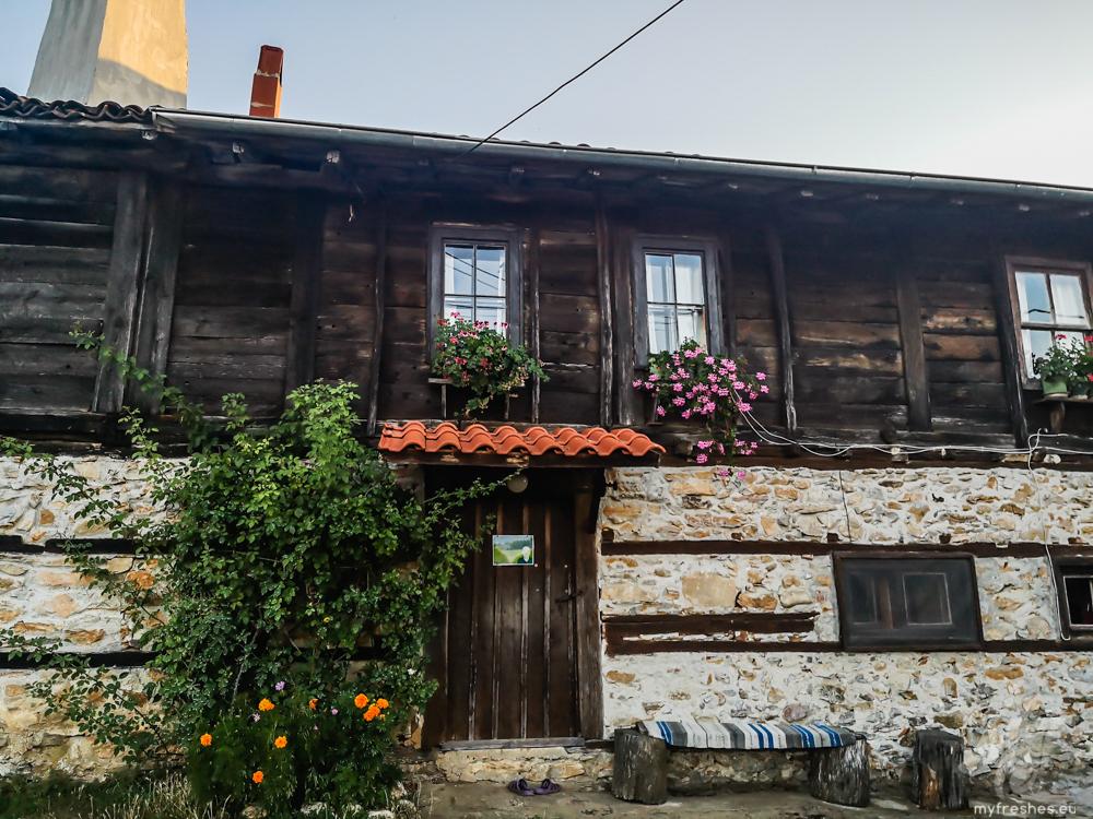 автентични странджански къщи